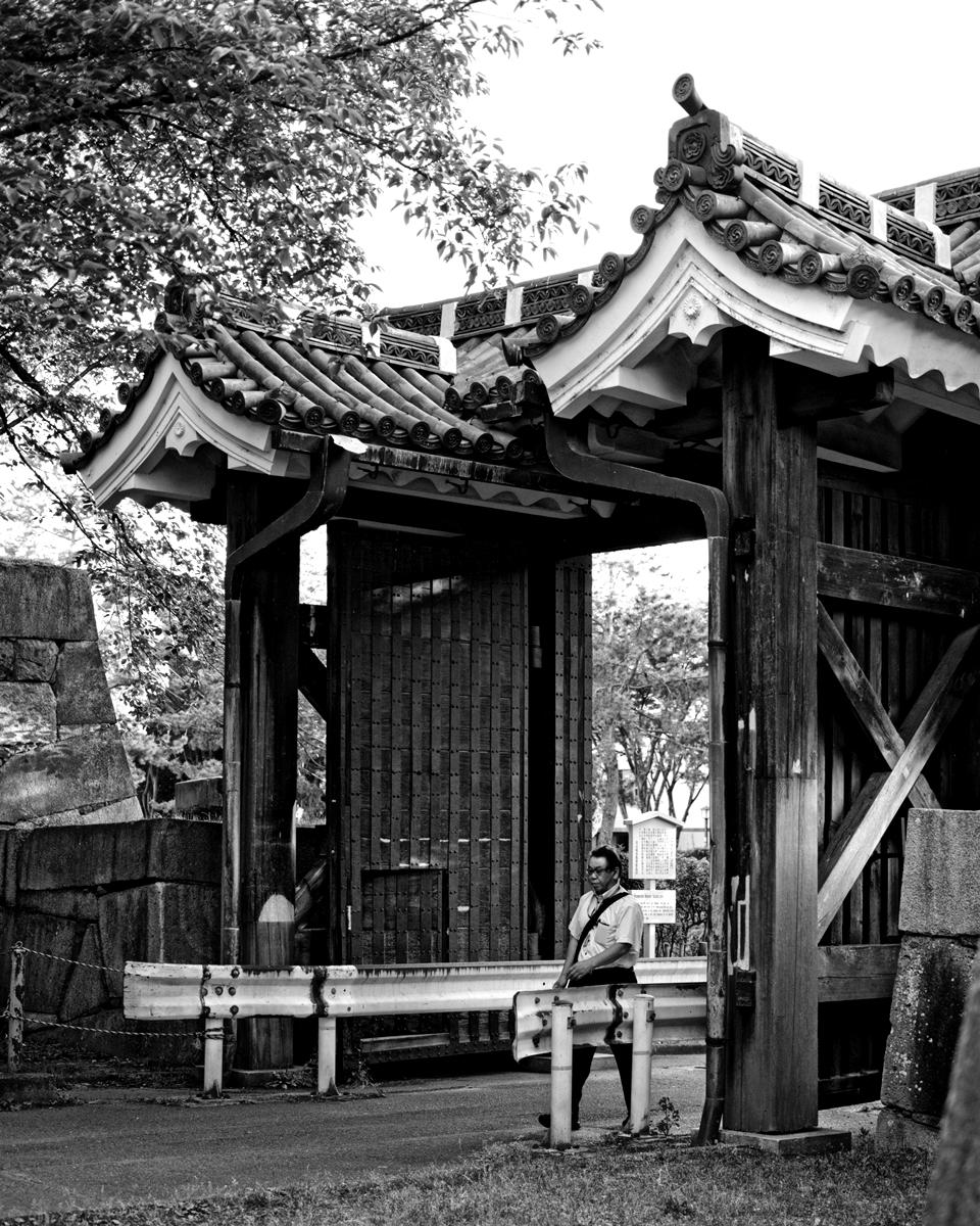 名古屋城二の丸大手二之門 モノクロ