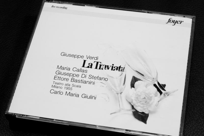 マリア・カラスの椿姫 CDジャケットアップ モノクロ